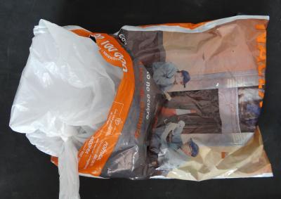 Embalaje de la muestra en una bolsa de plástico